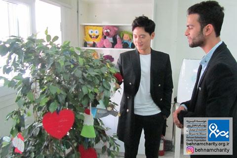 بازدید هنرپیشه سریال افسانه جومونگ موسسه خیریه بهنام دهش پور